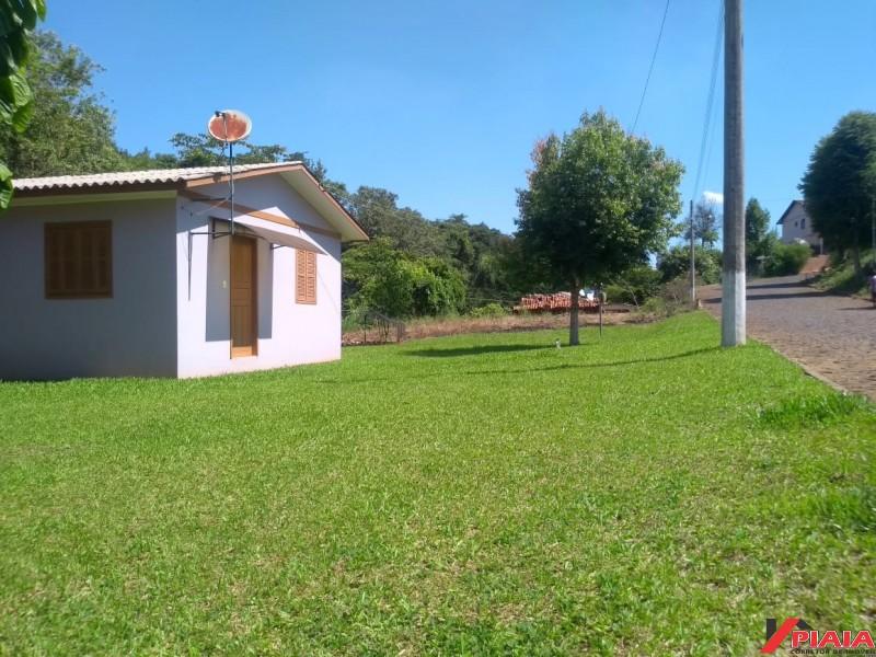 **VENDIDA** Casa em alvenaria - Pinheirinho do Vale